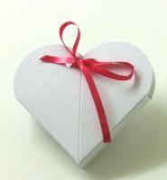 Herz-Box klein mit Loch, WEISS
